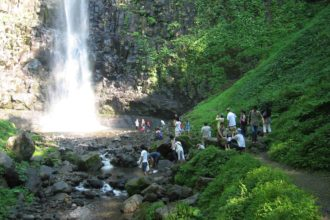 Tamasudare waterfall3